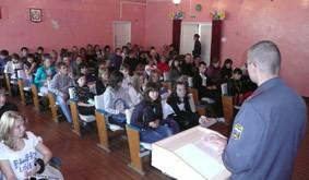 """В Марьяновских школах прошел """"Родительский час"""" с участковым"""