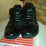 Продаются осенние ботинки