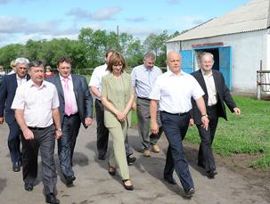 Губернатор Омской области Виктор Назаров с рабочим визитом посетил Марьяновский район