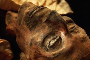 фото: мумифицированный труп
