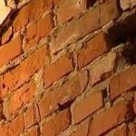 В с.Заря Свободы от обрушения кирпичной стены погиб местный житель