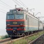 В Марьяновском районе товарный поезд сбил человека